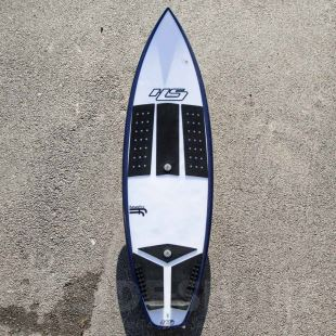 "Love Buzz 5'8"" x 18""7/8 x 2""5/16 - 26.09 L - Futures Thruster"
